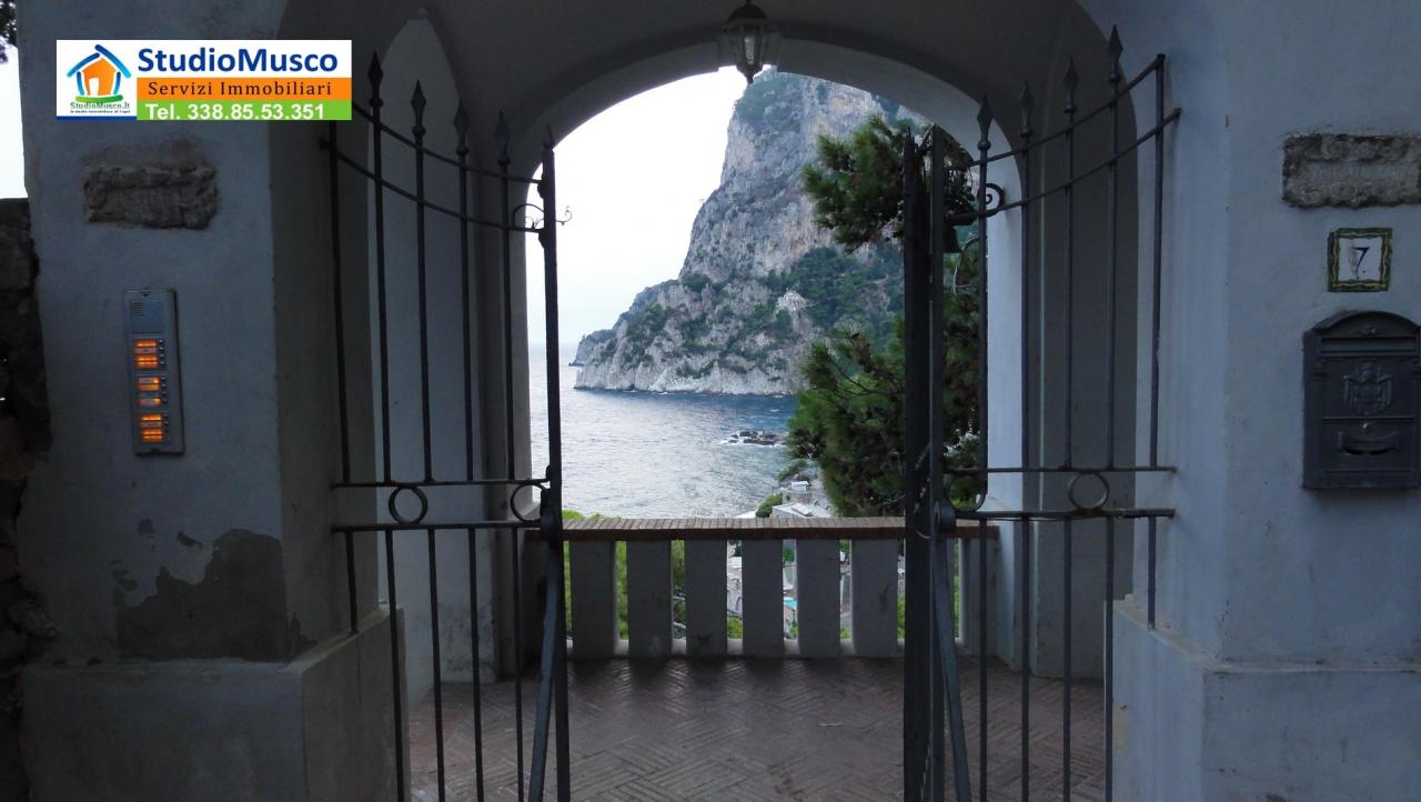 cerca Capri  VILLA VENDITA